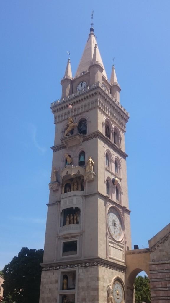 Месина. Кула камбанария