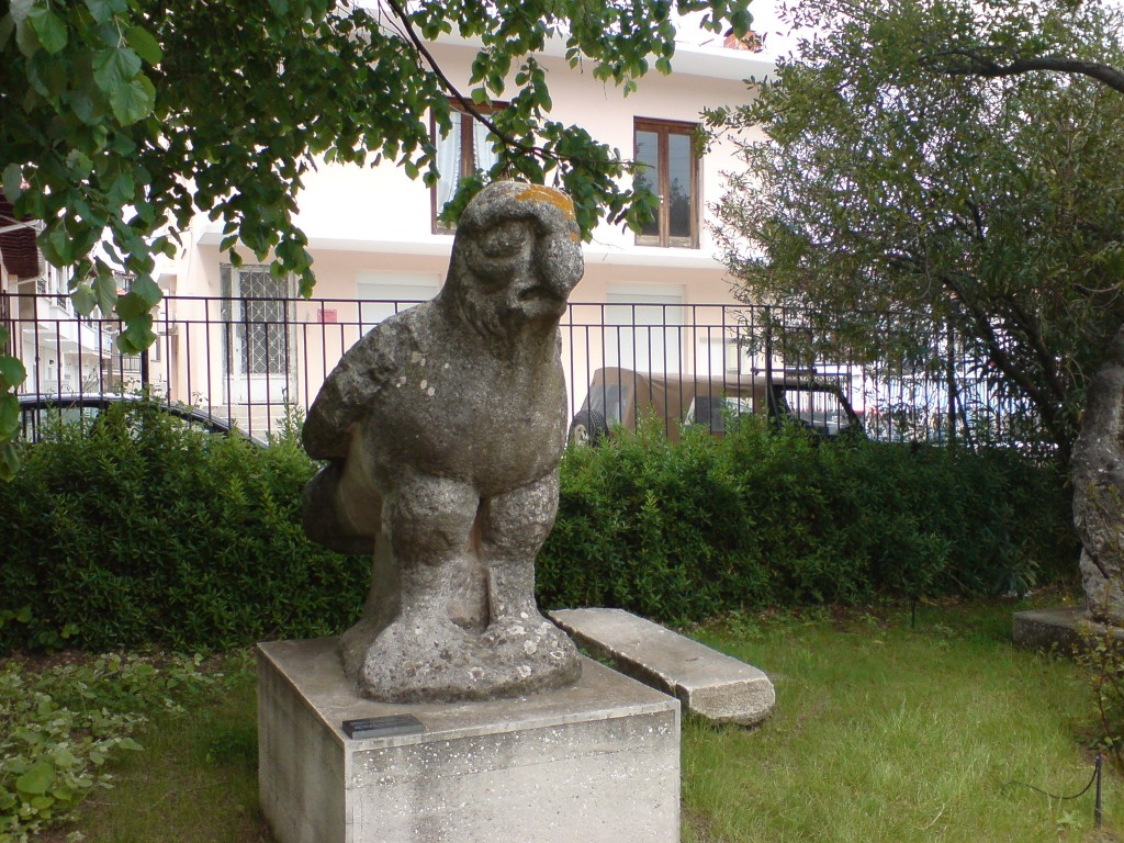 Тасос. Лименас музей. Орел